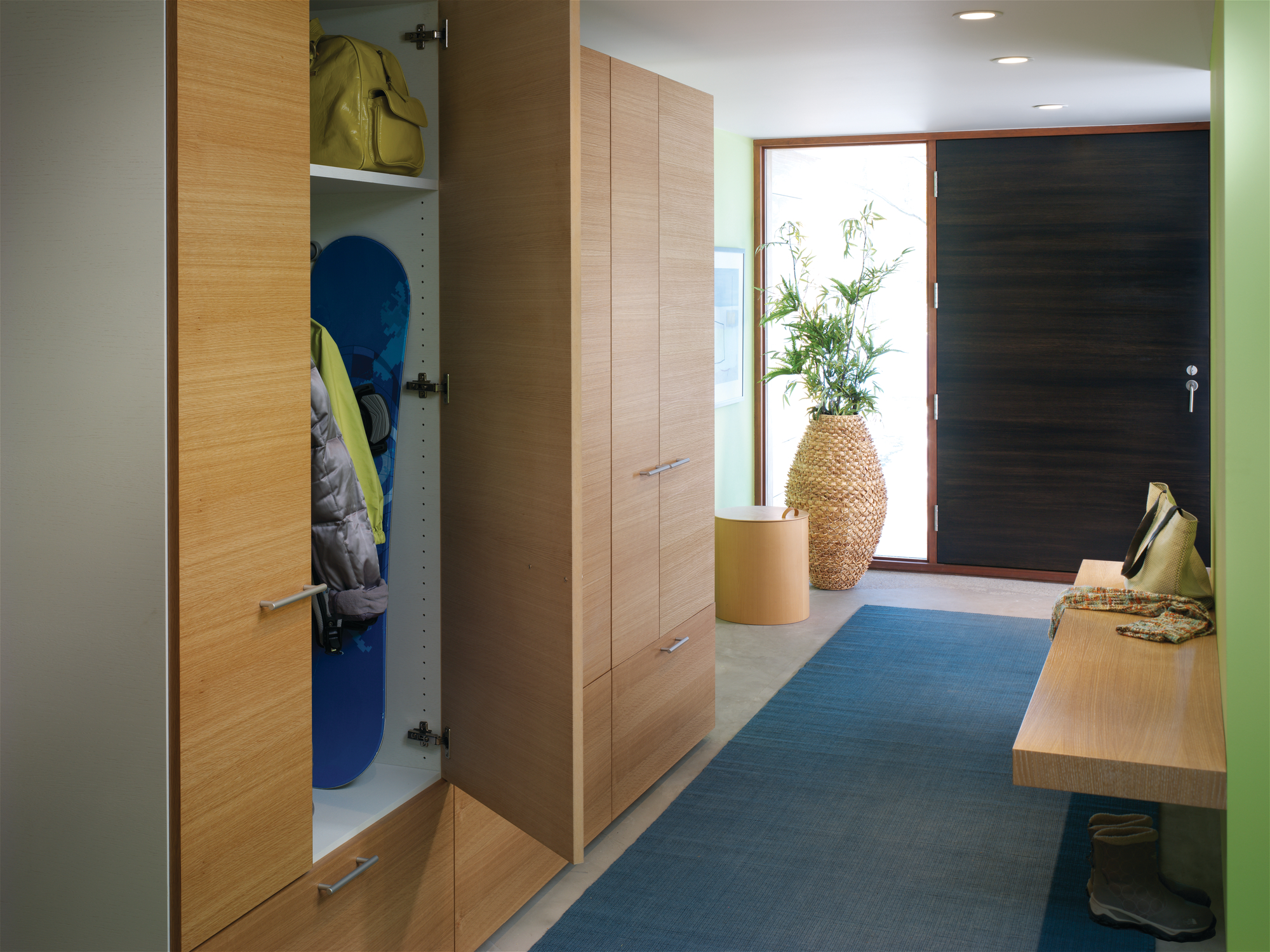10 Front Entry Organization Hacks That Will Make Life Easier