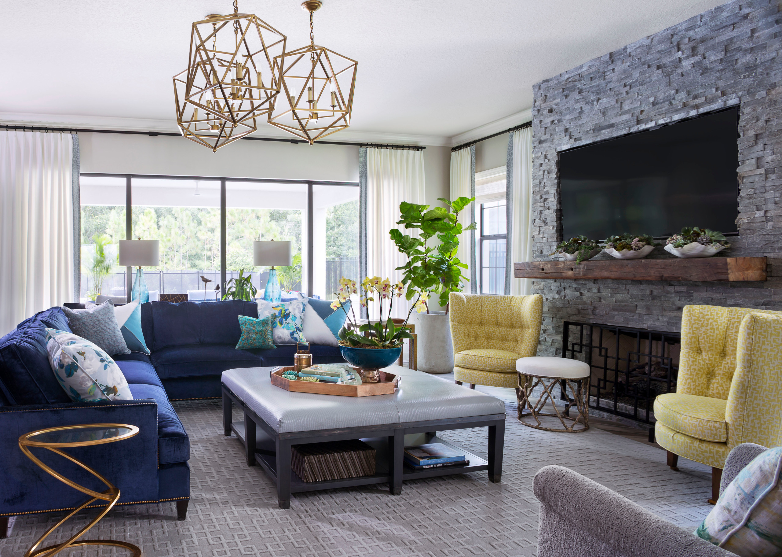 The Best Tips To Help You Re-Organize Your Family Room